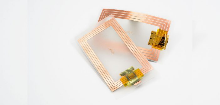 Imec, Holst Centre en Cartamundi introduceren plastic chip(NFCchips) voor datauitwisseling tussen allerlei voorwerpen over korte afstanden