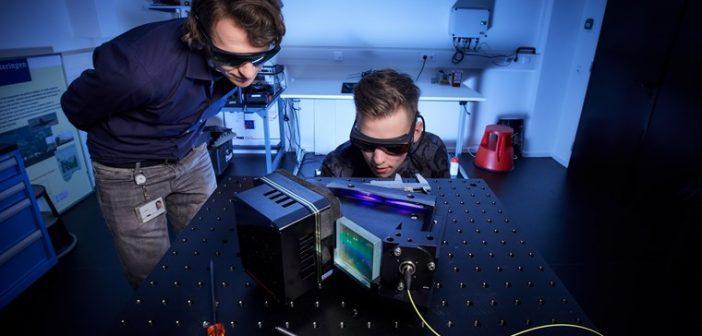 Gas analyse instrument gebaseerd op slim raman spectroscopie ontwerp