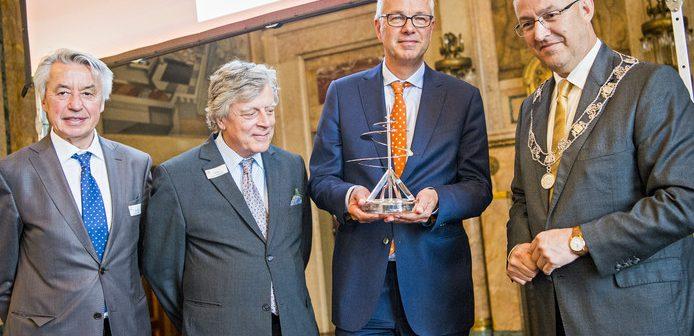 Pieter van Oord ontvangt de Rotterdam Promotie Prijs